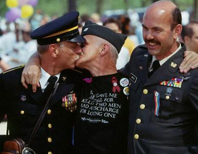 soldados gays