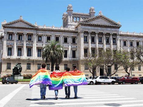 Uruguay aprueba el matrimonio igualitario